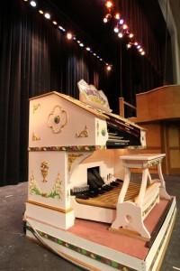 theatre organ on stage